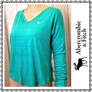 {Abercrombie & Fitch} turquoise long slv tee, sz S